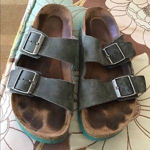 NEW LISTING BIRKENSTOCK sandals